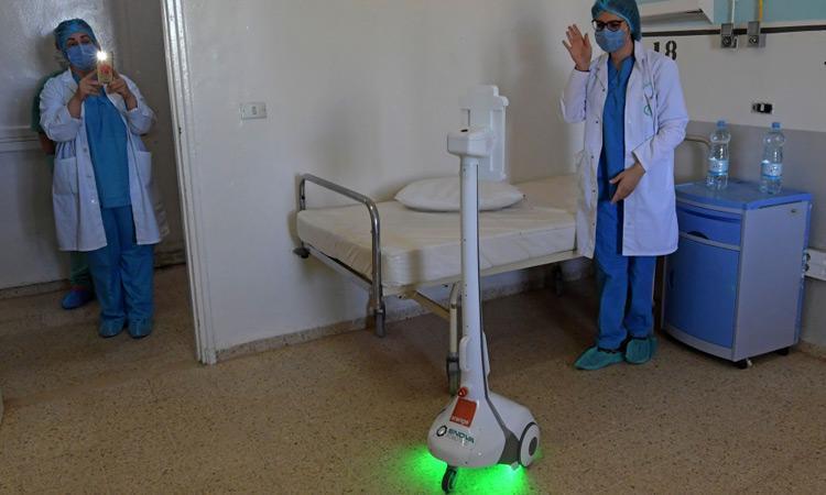 مراقبت روباتیک از بیماران کرونایی در تونس