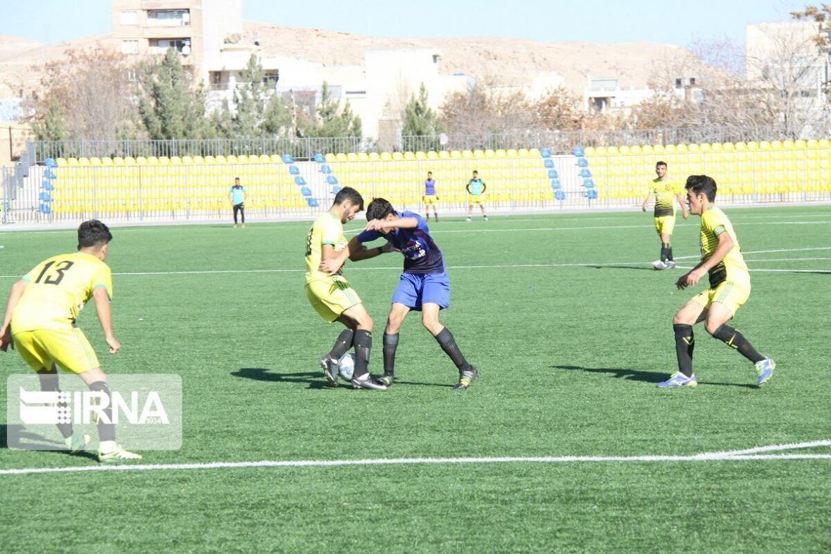 خبرنگاران ساعت مسابقه تیم فوتبال شهید قندی یزد تغییر کرد